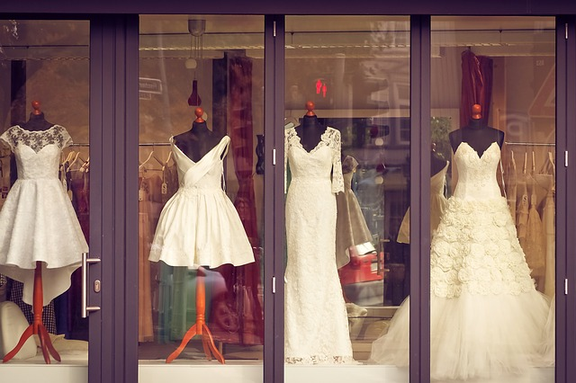 svatební šaty, prodejna
